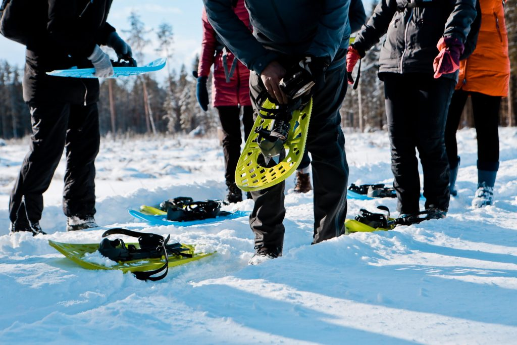 snowshoing-in-latvia